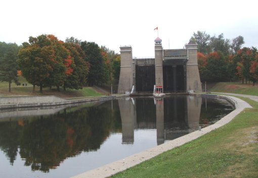 Lift Locks on the Trent-Severn Waterway